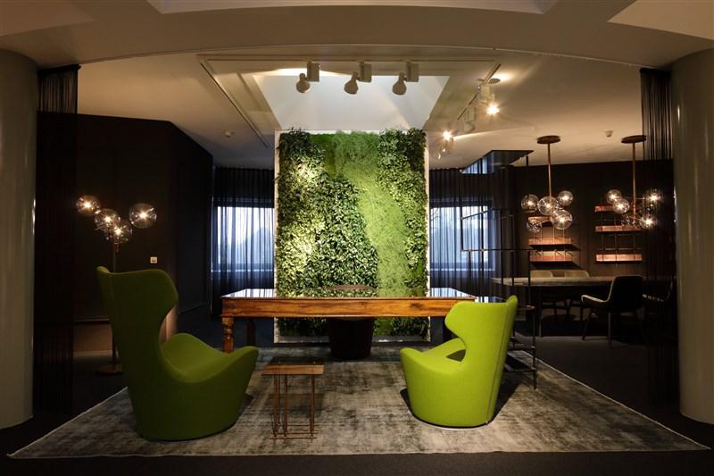 Textile Pflanzenwand bei Steinhoff